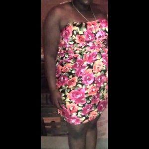 Dresses & Skirts - strapless floral dress